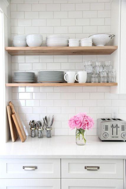 cuisine blanche etagere en bois