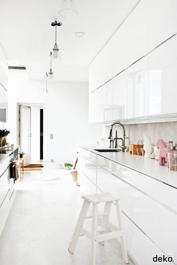 Inspirations cuisines blanches cocon de d coration le for Blog deco cuisine