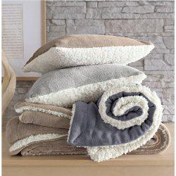 plaid et coussin laine et polaire. Black Bedroom Furniture Sets. Home Design Ideas