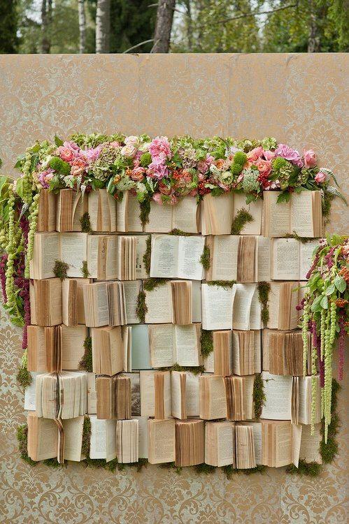 decor mariage livre et fleur