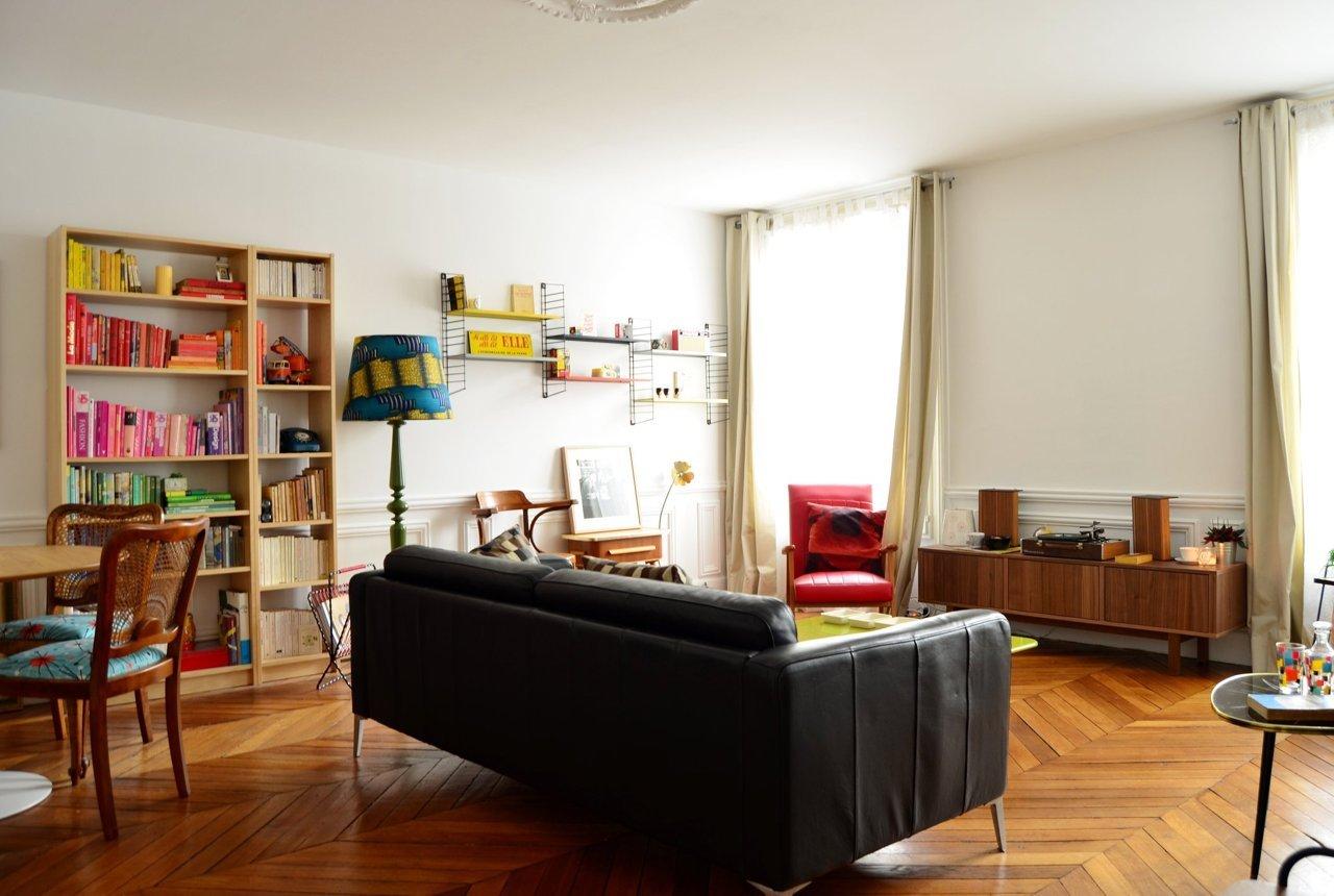 visite un appartement clectique cocon d co vie nomade. Black Bedroom Furniture Sets. Home Design Ideas