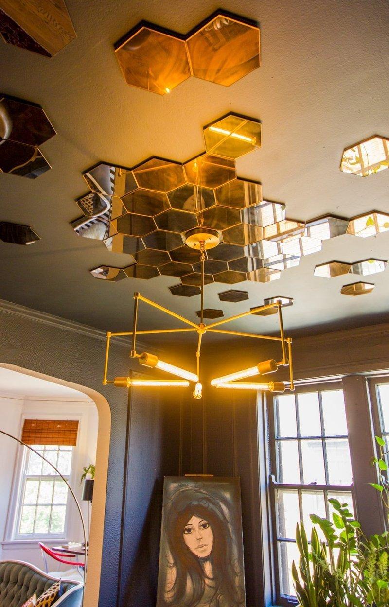 salle a manger deco plafond miroir