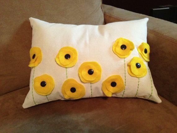 diy 10 id es pour personnaliser vos coussins cocon de d coration le blog. Black Bedroom Furniture Sets. Home Design Ideas