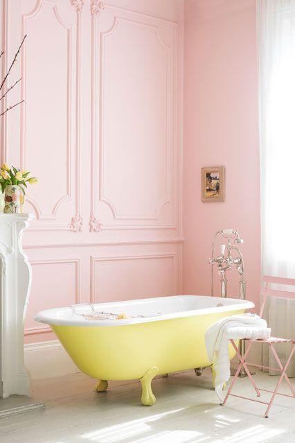 deco salle de bain jaune pastel