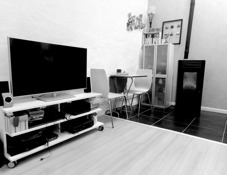 espace tv et coin repas
