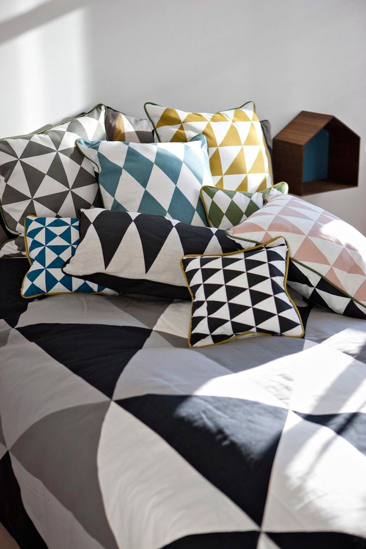10 coussins pour un salon scandinave cocon d co vie nomade. Black Bedroom Furniture Sets. Home Design Ideas