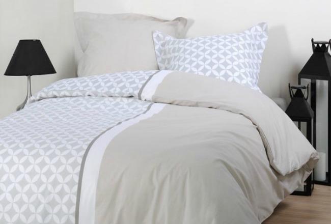donner du peps son lit cocon d co vie nomade. Black Bedroom Furniture Sets. Home Design Ideas