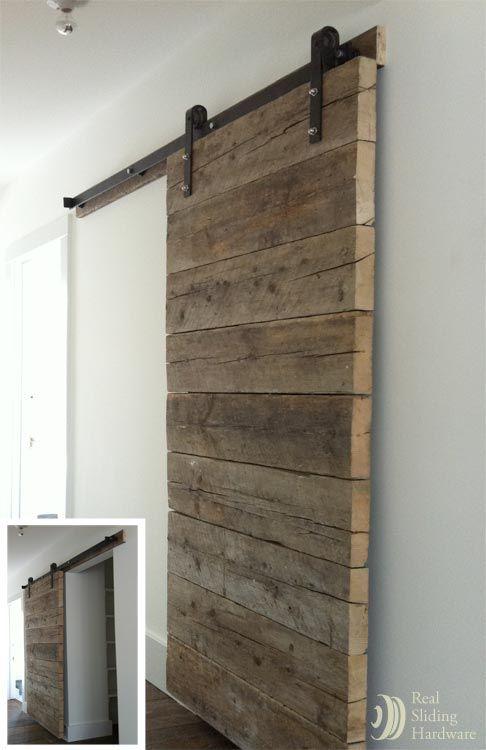 Du bois dans la salle de bain cocon d co vie nomade - Installer porte coulissante dans cloison ...