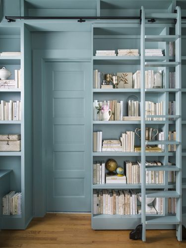 10 id es pour mettre en valeur une porte cocon de How to store books in a small bedroom