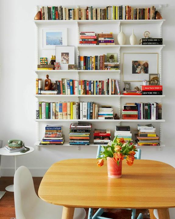 salle a manger deco biblio table
