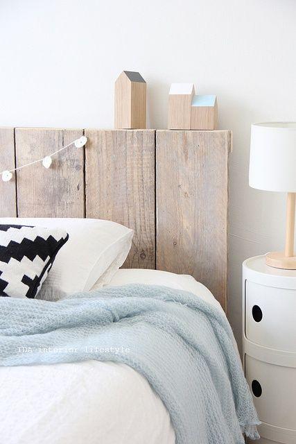 Des palettes dans la chambre cocon d co vie nomade - Tete de lit en bois palette ...