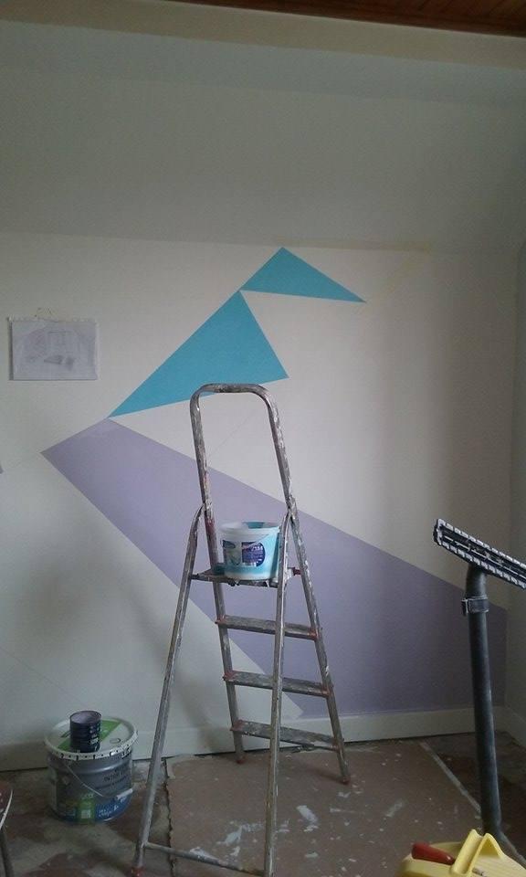 Tribulations d une stagiaire d co cocon de d coration for Peinture triangle chambre