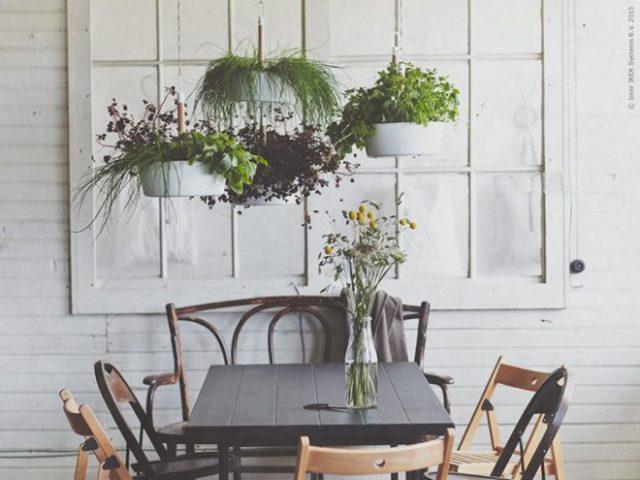 table de jardin plantes suspendues deco