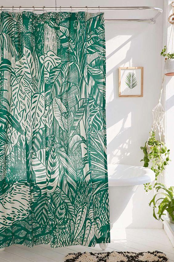 inspiration deco salle de bain plante et rideau de douche