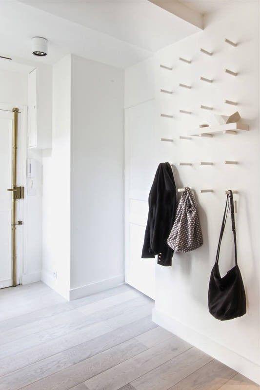 inspiration minimaliste entree renagement dressing porte manteau