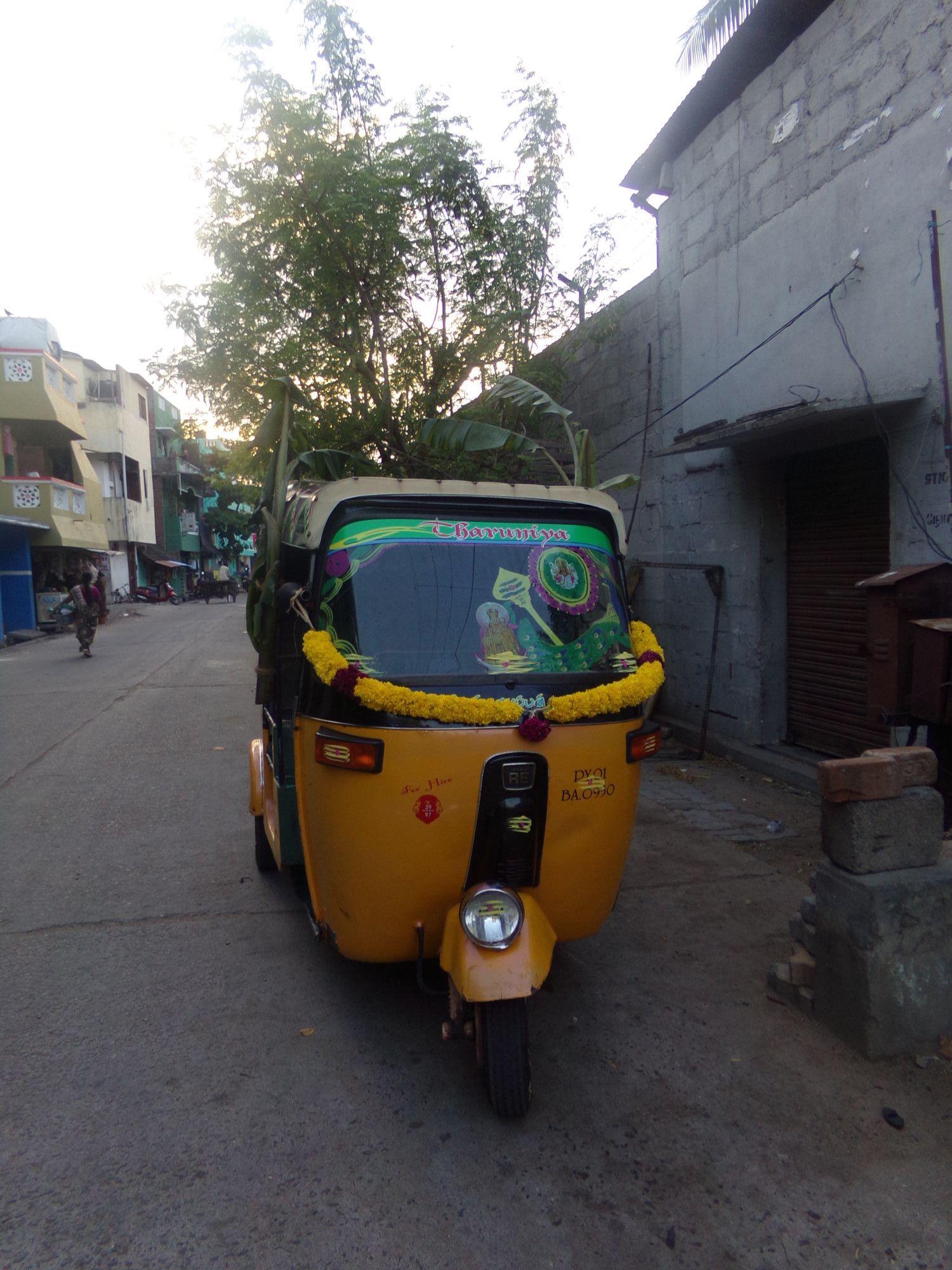 ayudha pooja tuktuk inde 2016