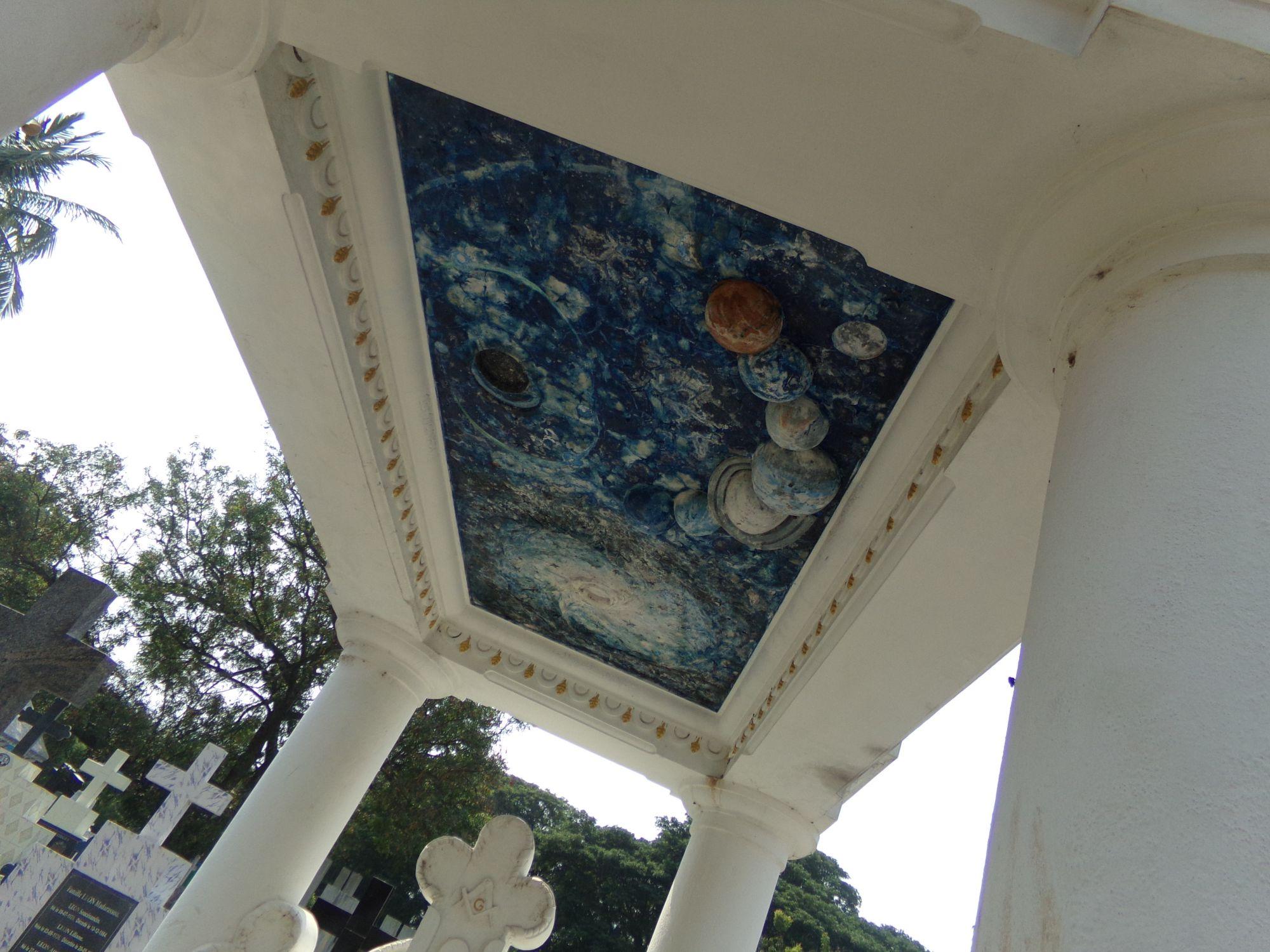 pondi detail tombe cimetiere planete ciel