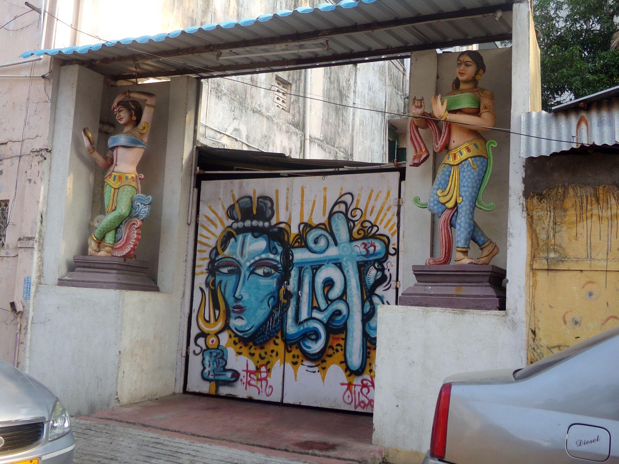 street art pondicherry graf bleu