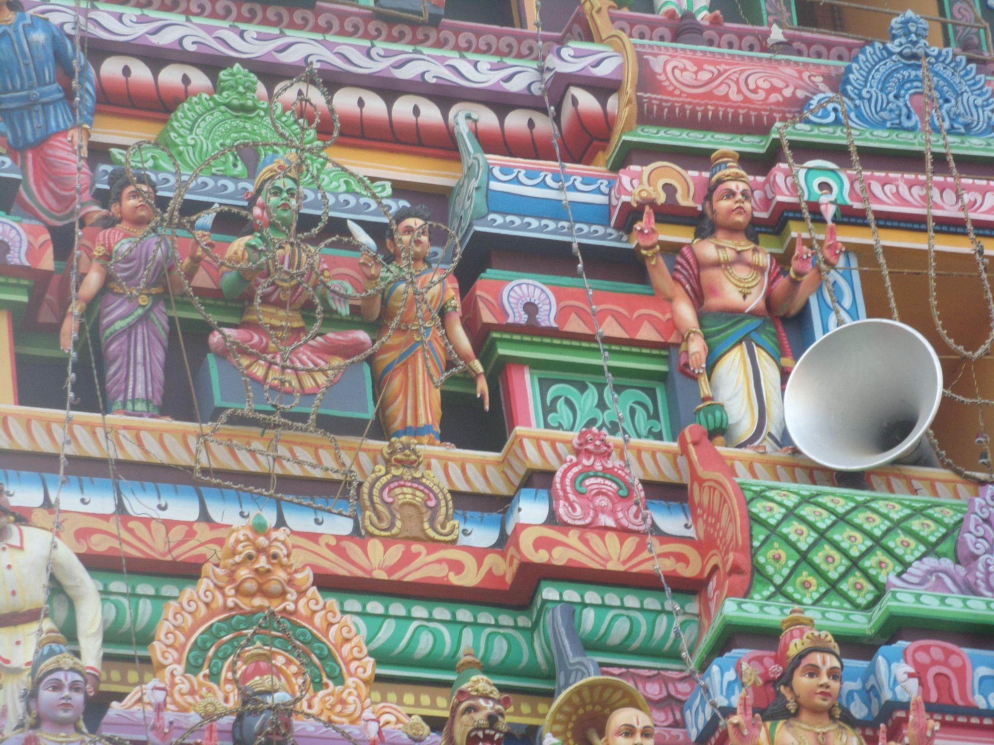 temple dessin sculpture couleur inde du sud visite decouverte pondy