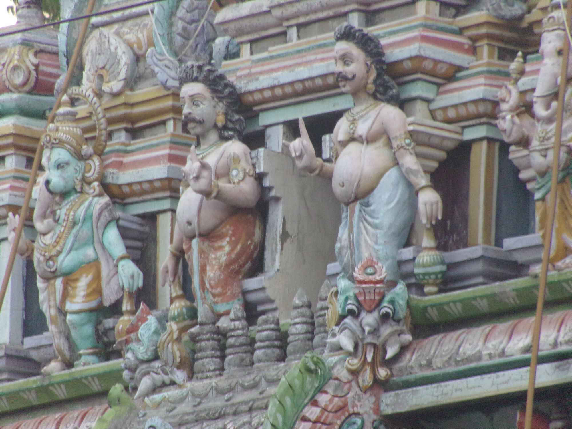 temple hindou couleur passee pondicherry