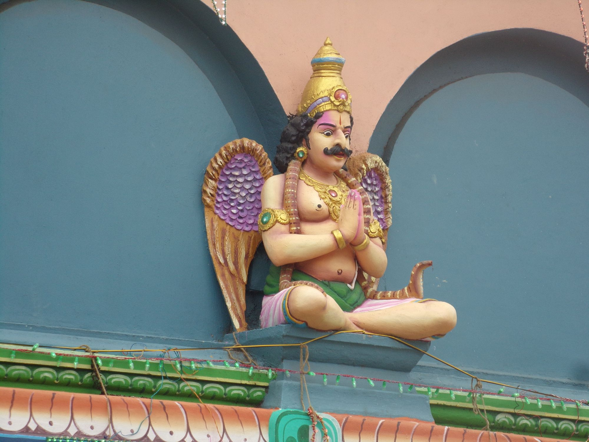 temple hindou divinte detail mg road pondicherry