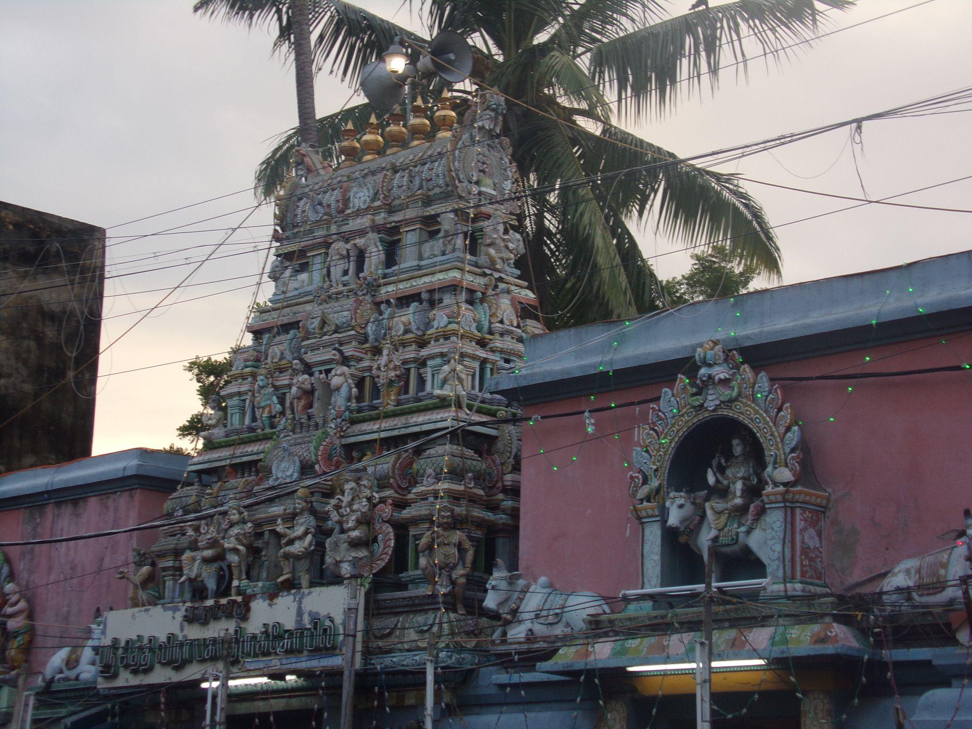 temple hindou pastel couleur inde du sud
