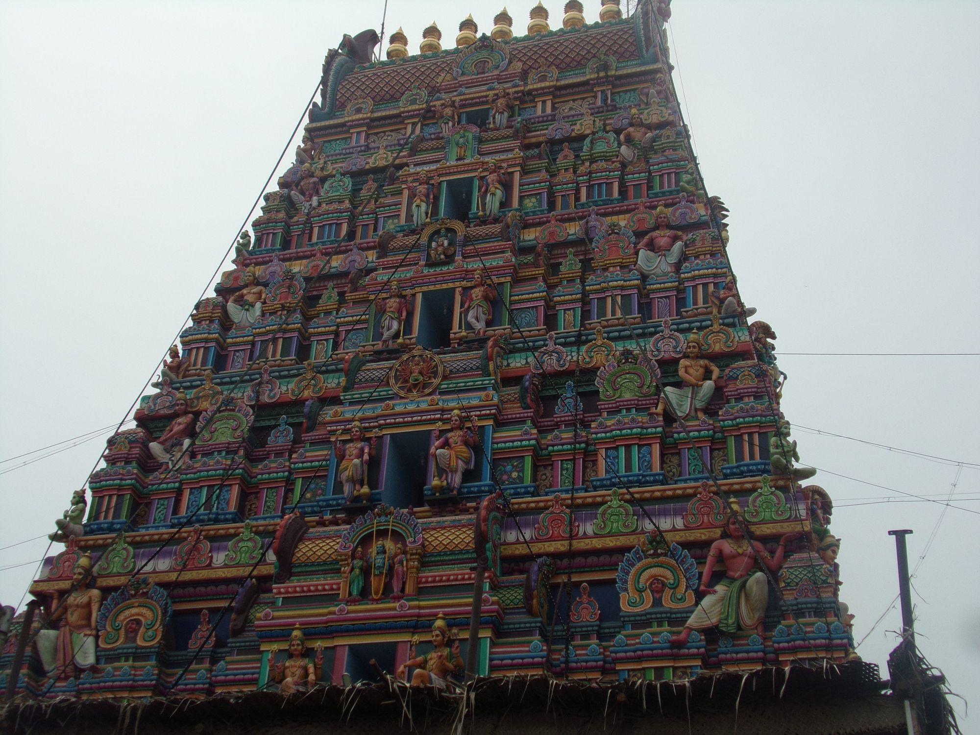 temple hindou pondicherry couleur
