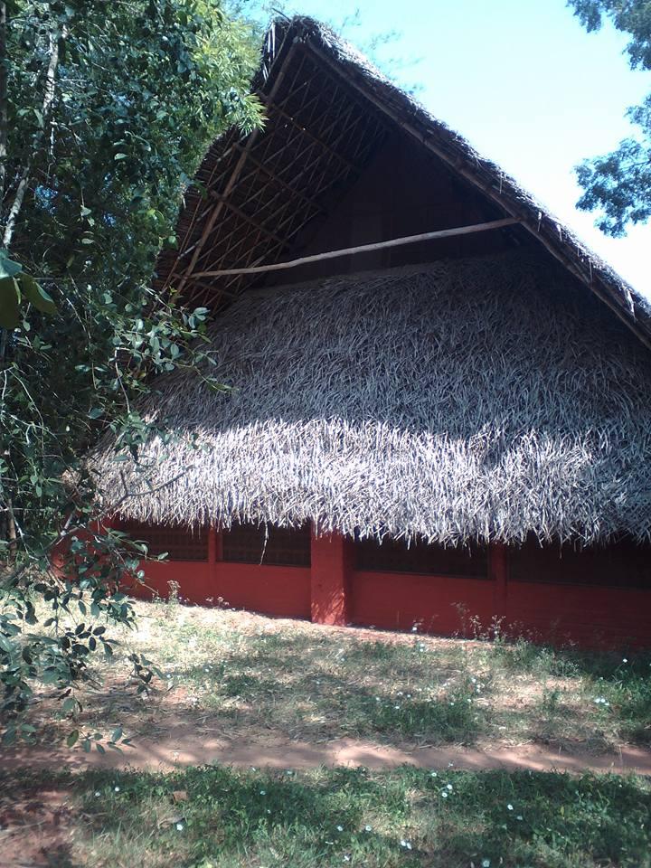 auroville cahute joy community dortoir