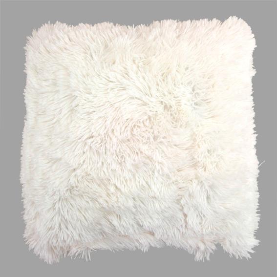 coussin-imitation-fourrure-hiver-eminza