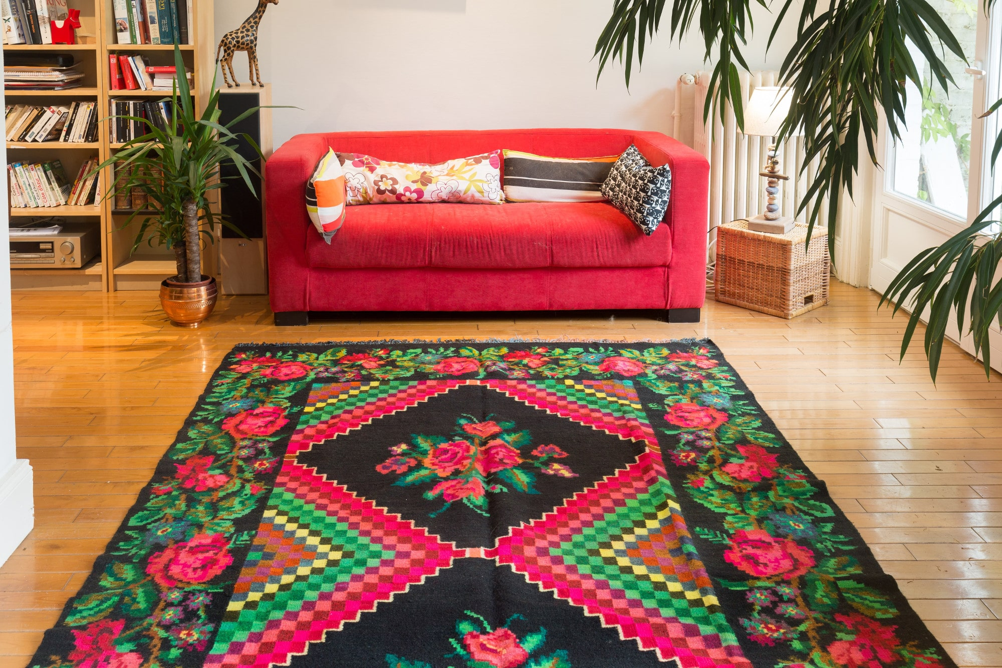 Les tapis moldaves de la tradition dans votre d co for Tapis deco salon