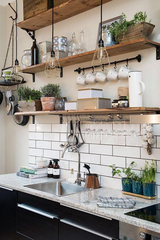 decoration cuisine plantes vertes etageres