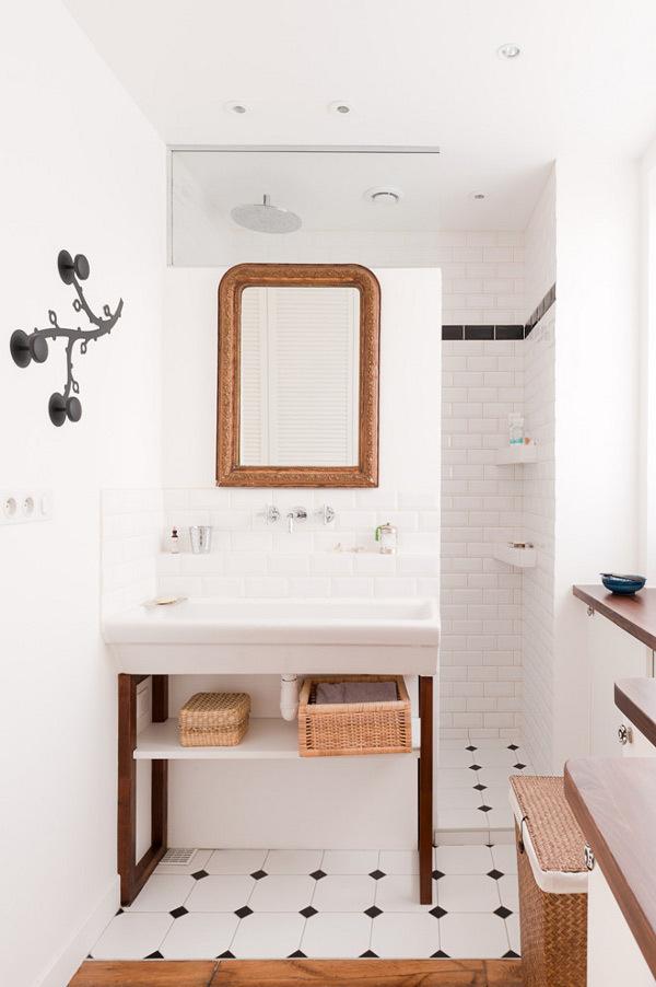 Une petite salle de bain qui sort de l ordinaire pour for Blog deco salle de bain