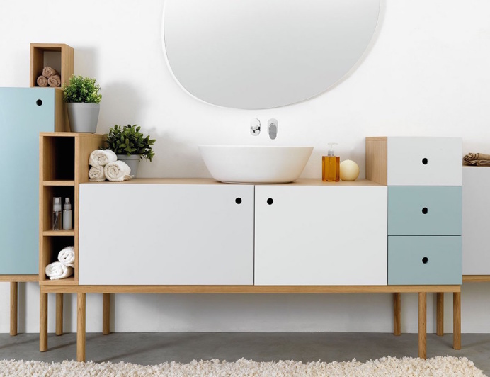 une petite salle de bain qui sort de l ordinaire pour petits et moyens budgets cocon d co. Black Bedroom Furniture Sets. Home Design Ideas