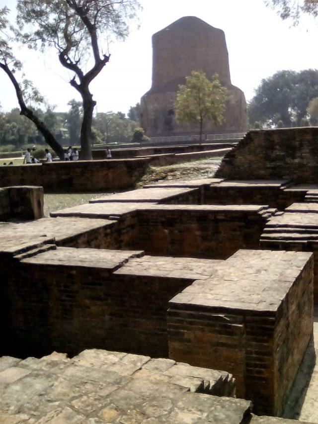 sarnath varanasi bouddha stuppa archeologie