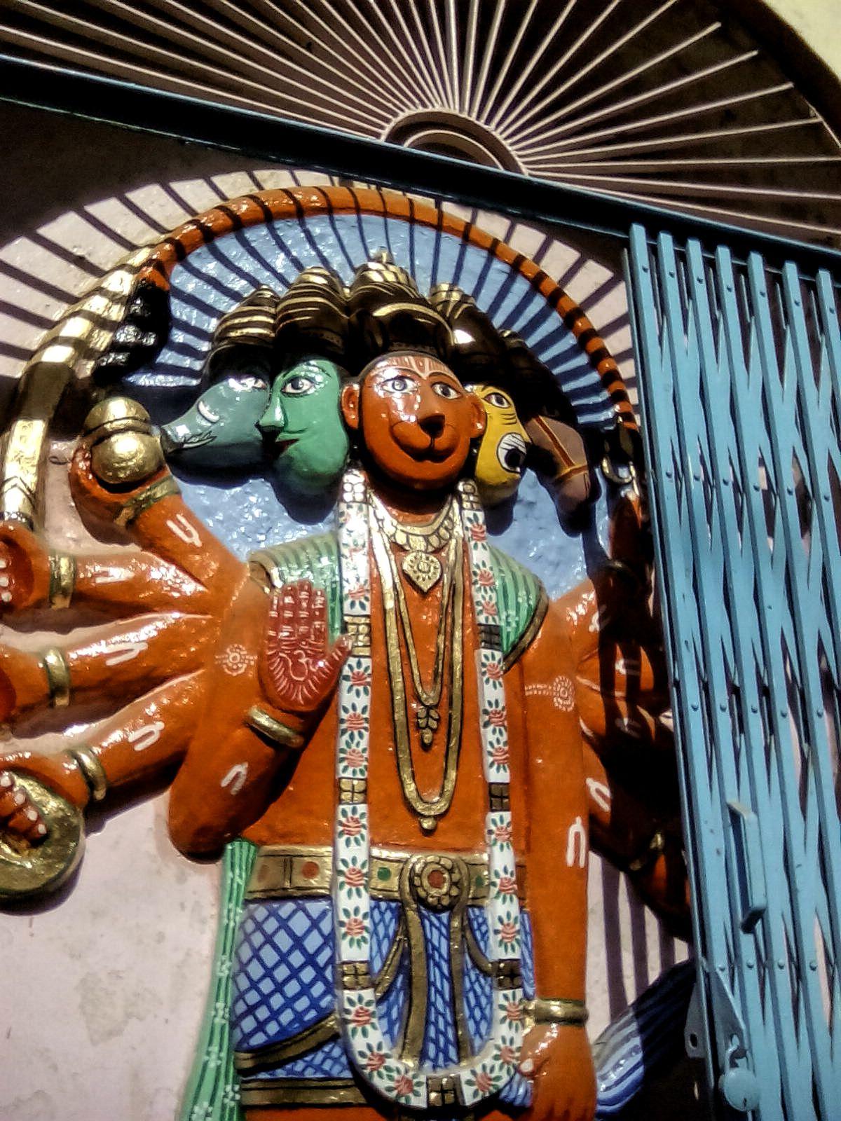temple dieux hindous inde varanasi voyage decouverte culture