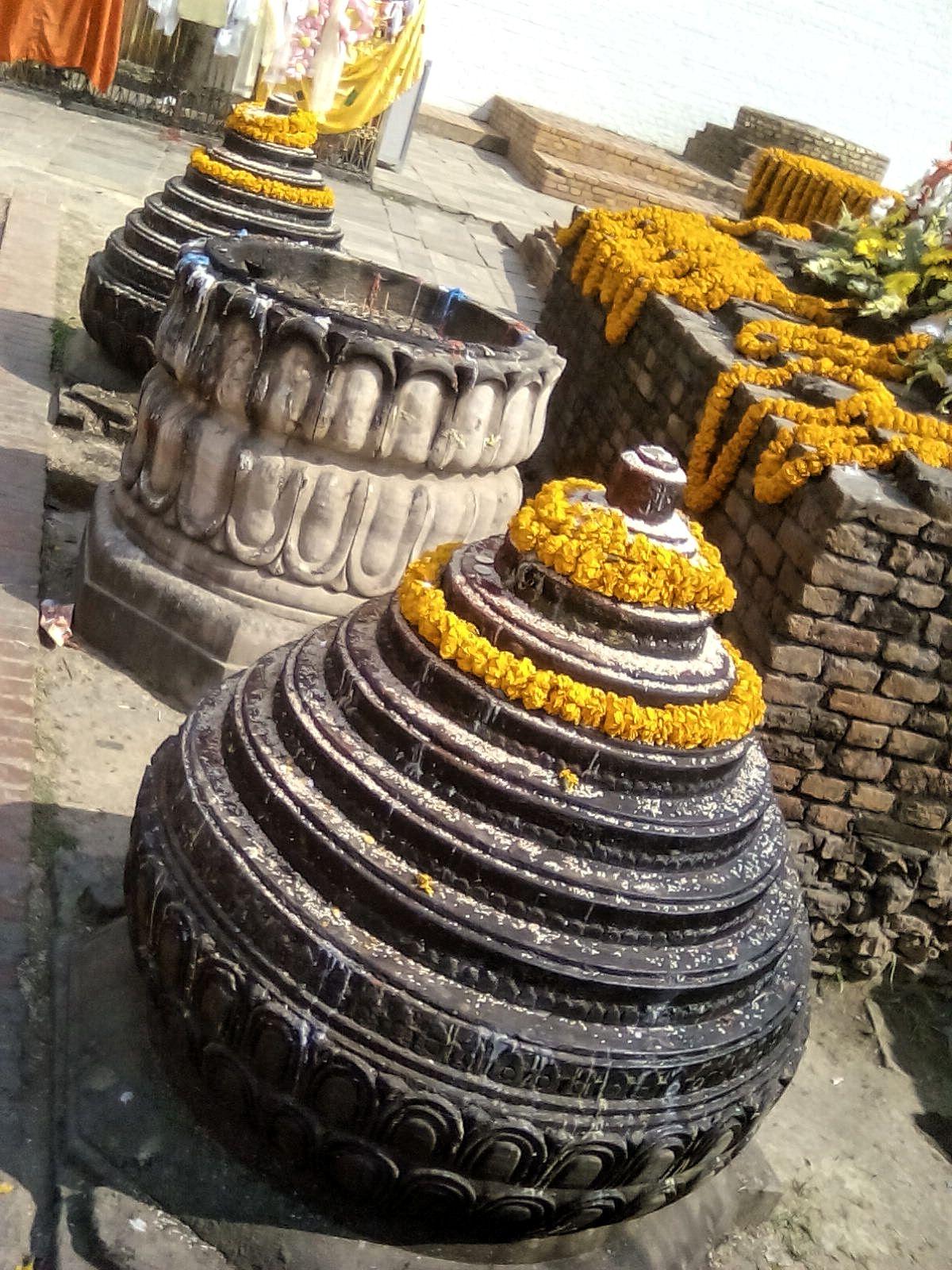 lieu de naissance de bouddha lumbini pelerinage priere