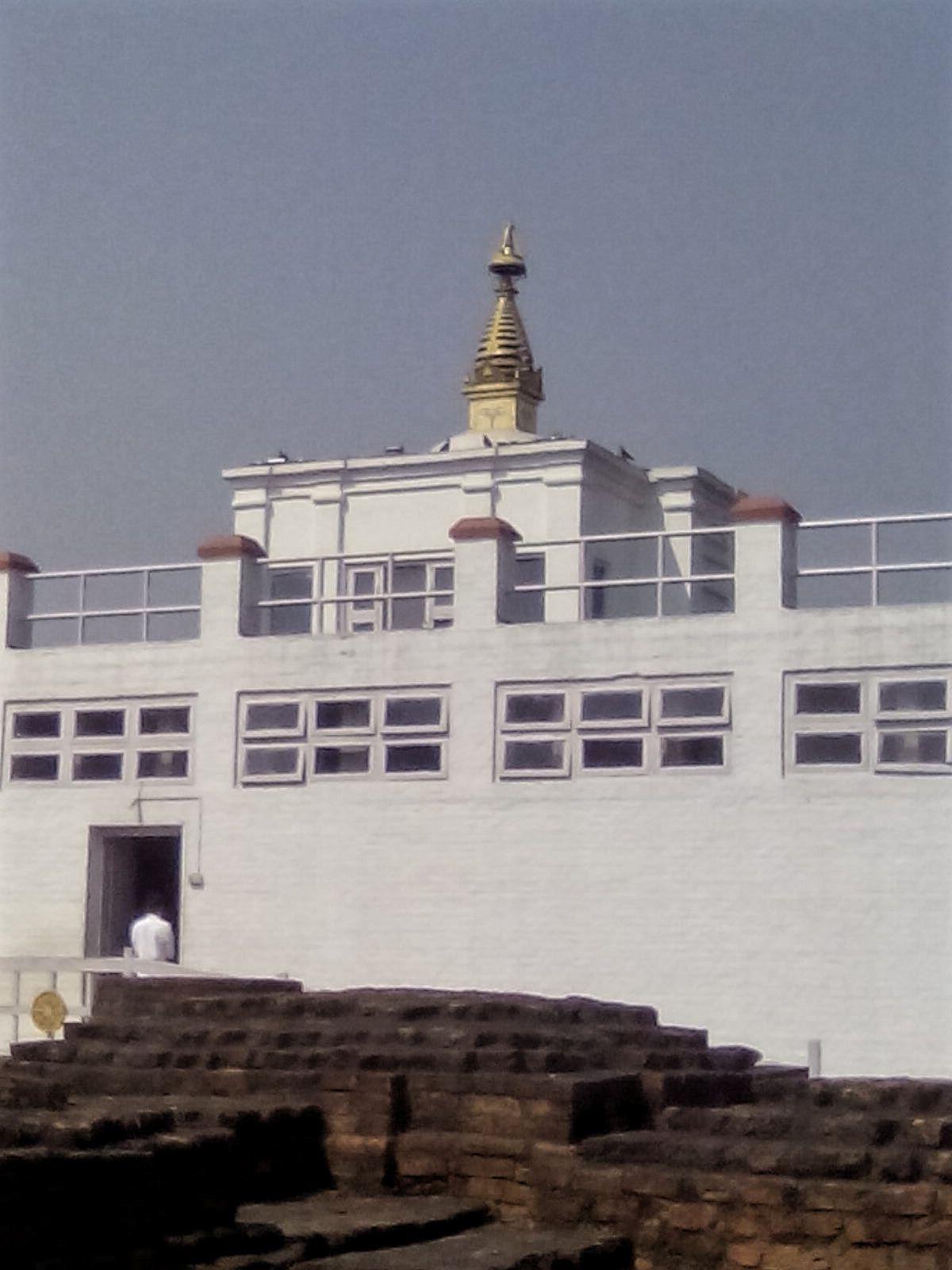 lieu de naissance de bouddha lumbini temple nepal