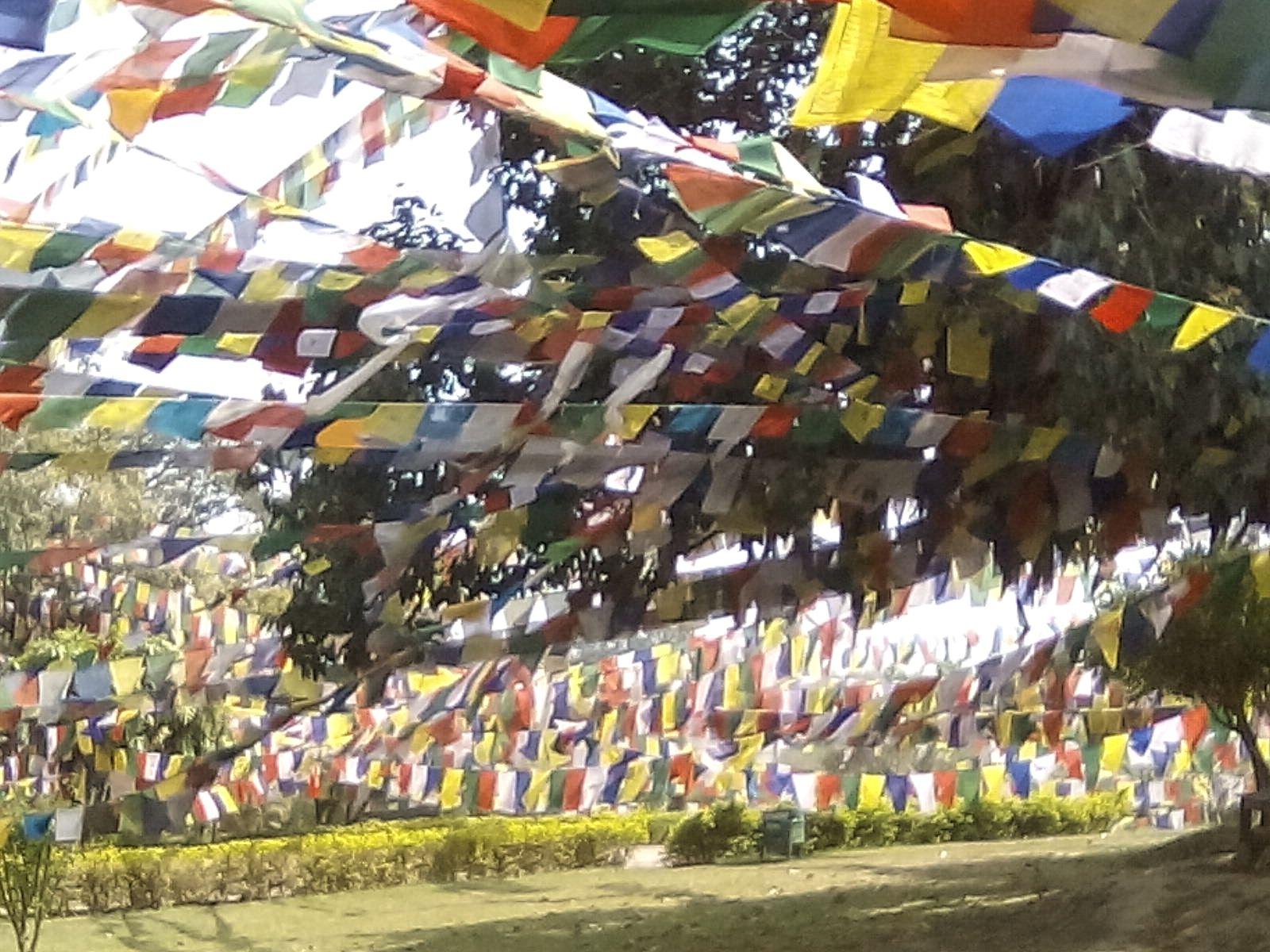 nepal lumnini drapeau nepalais bouddhisme