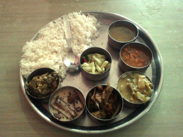 nourriture indienne meal legume riz