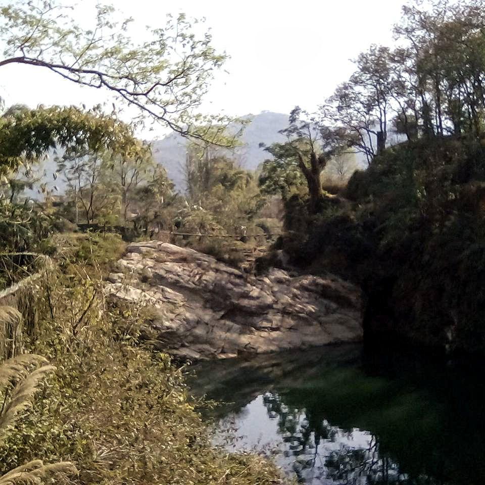 pokhara nepal vie nomade nature montagne lac