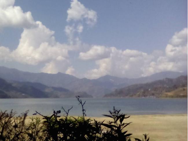 pokhara vie nomade cocon nepal montagne lac fewa