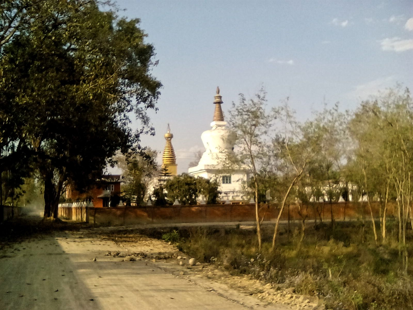 stuppa nepal lumbini temple bouddha vie nomade culture visite