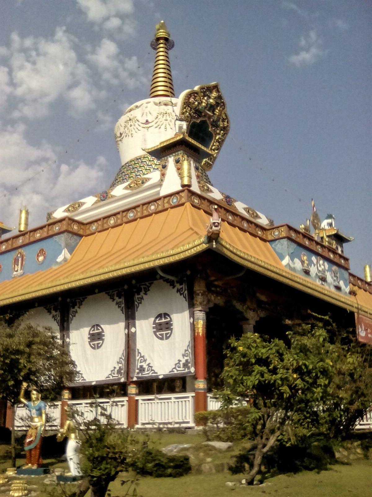 stuppa nepal visite lumbini bouddha