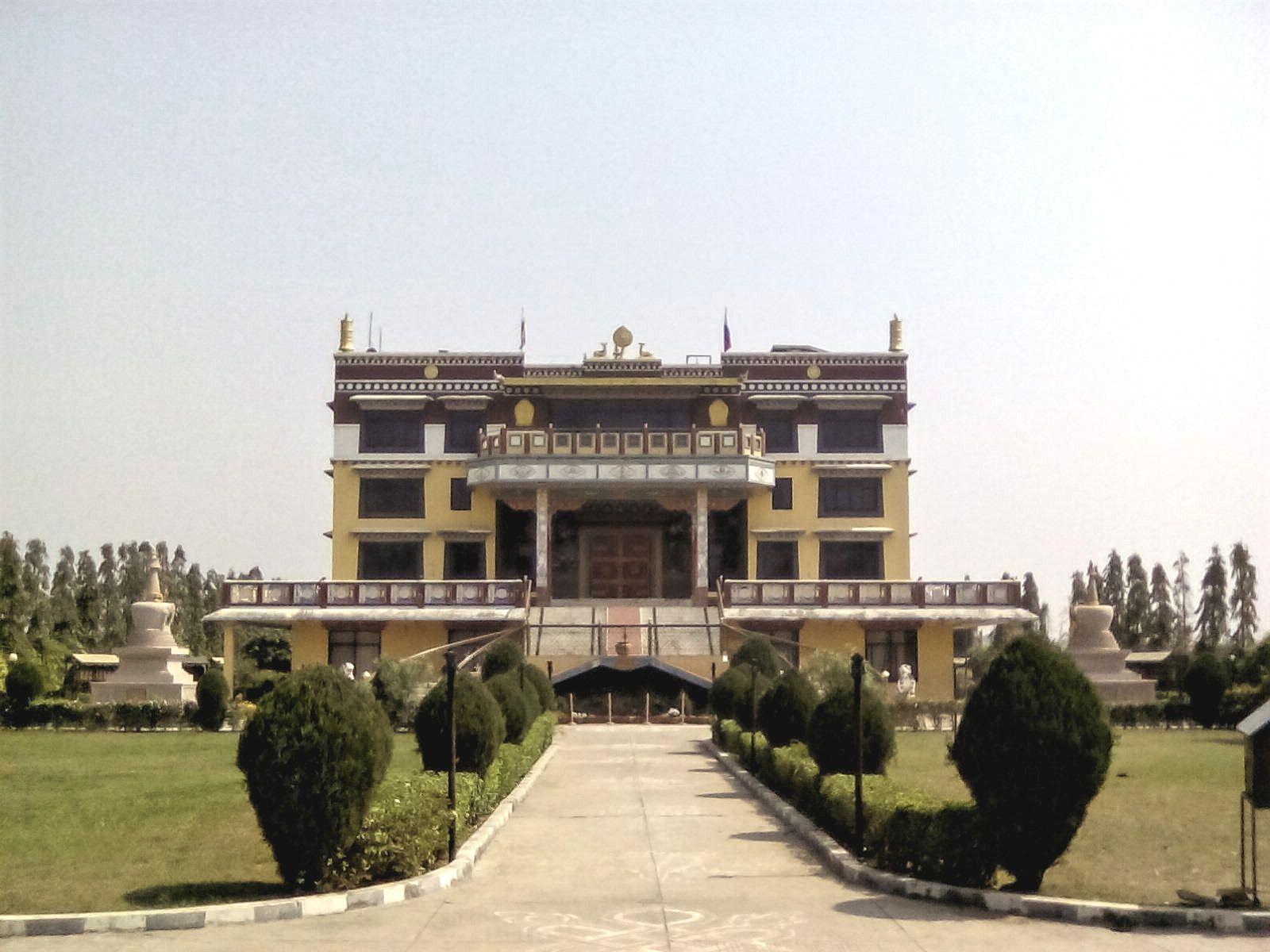 temple bouddhiste lumbini nepal vie nomade