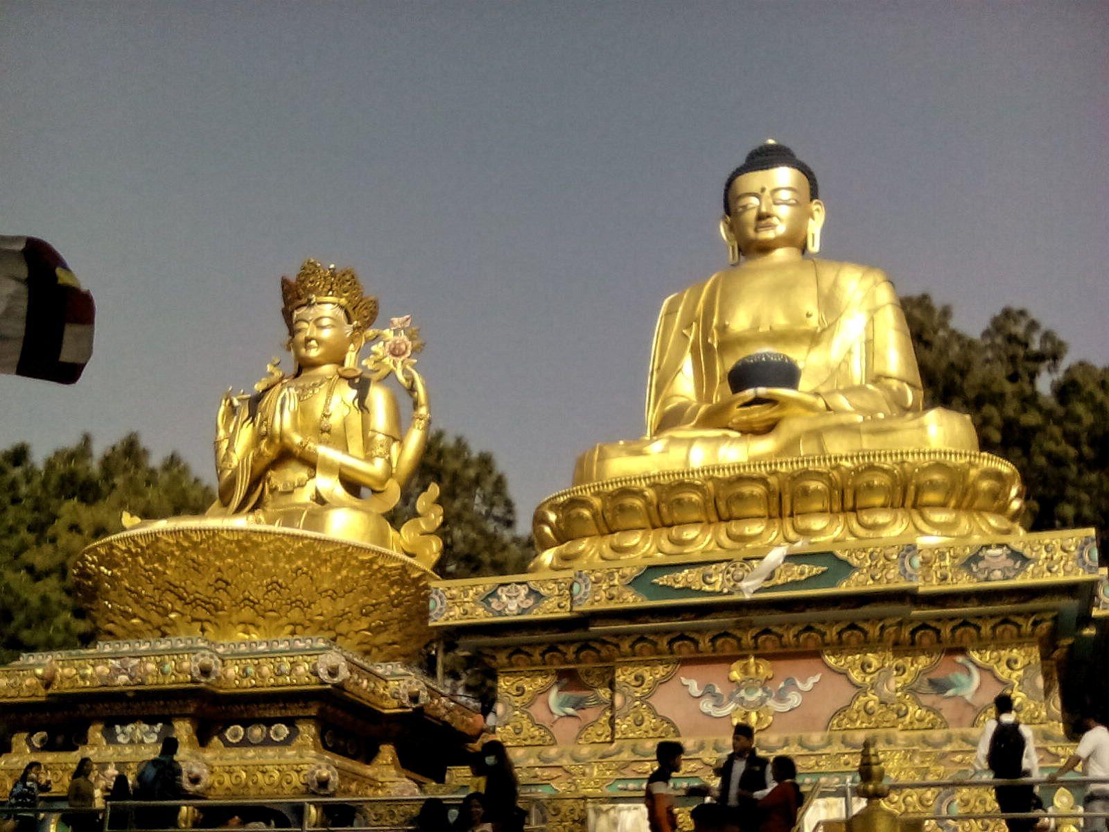 bouddhisme statue or nepal katmandou