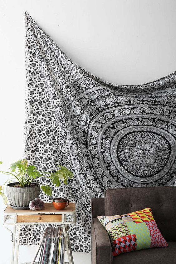 decoration boheme tendance tenture classe noir et blanc mandala