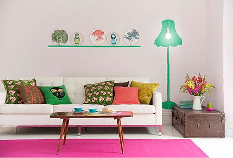 decoration salon printemps tapis couleur rose