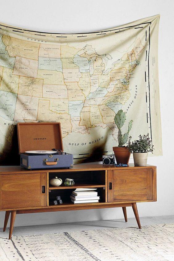 tenture decoration interieur boheme carte voyage meuble vintage