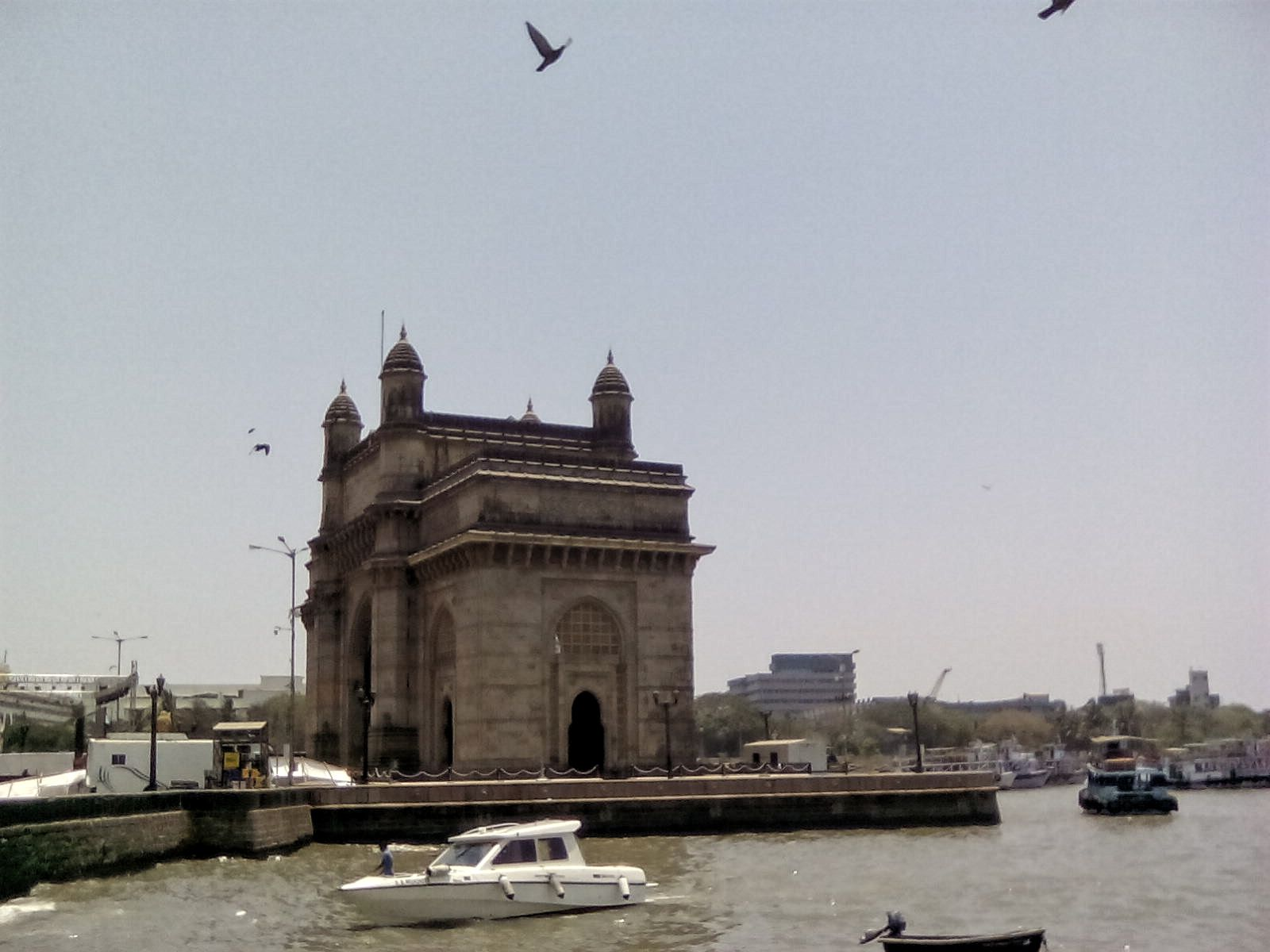 gate of india bombay inde