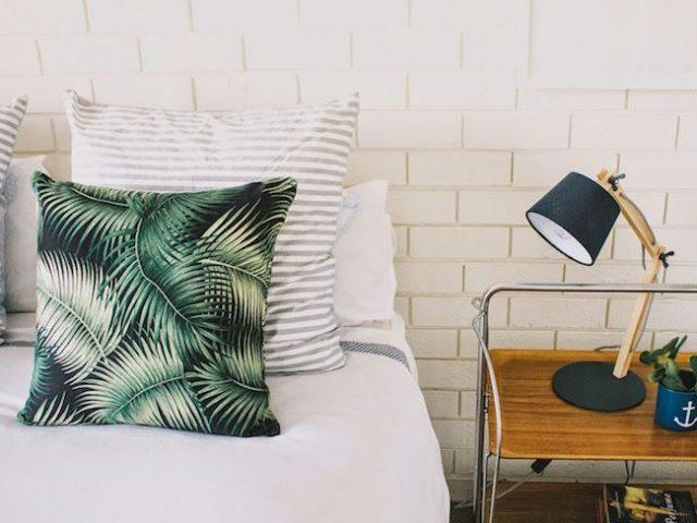 des nouveaux coussins pour cet t cocon de d coration le blog. Black Bedroom Furniture Sets. Home Design Ideas